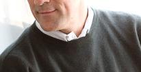 JONAS-Rundhalsad slätstickad tröja
